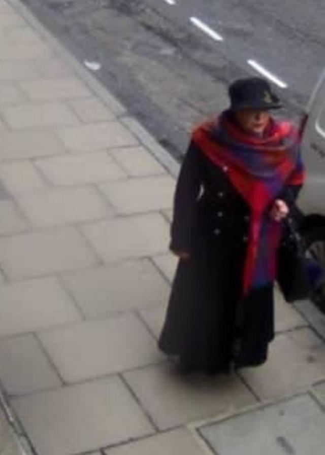 Lakatos outside Boodles on the day of the heist where she switched the padlocked bag with a duplicate one already stored within her handbag containing seven pebbles of the same weight as the diamonds