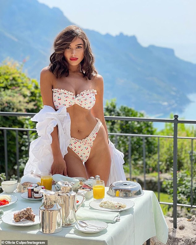Greetings from my trip:Olivia recently shared three new photos to Instagram from her vacation in Italy where she partied with the Revolve fashion team