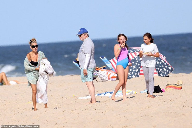 Family day! Sarah Jessica Parker was seen with her husband Matthew Broderick and her twins Marion and Tabitha in the Hamptons on Saturday