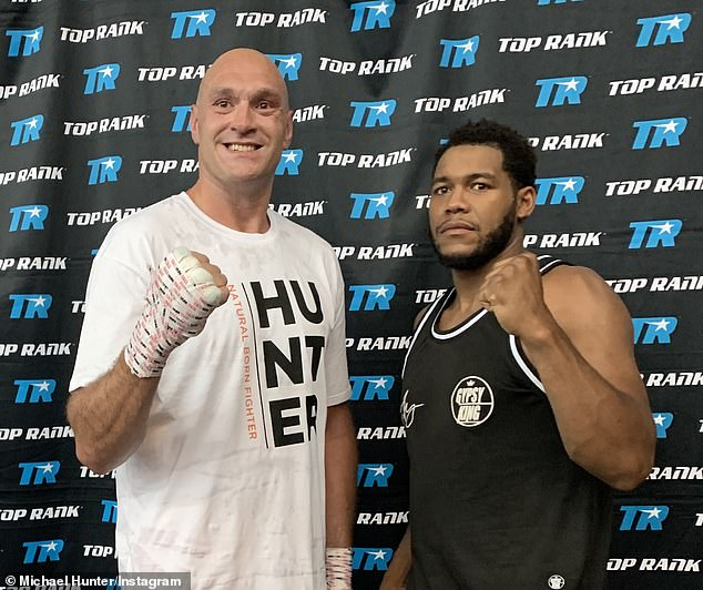 Michael Hunter (R) was brought in for sparring and claimed Fury's camp wasn't going to plan