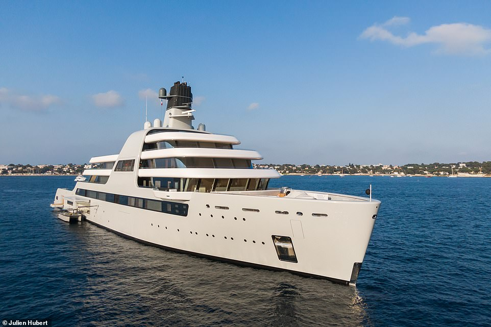 Built in Bremerhaven, Germany, Solaris recently completed sea trials and was briefly berthed in Barcelona before moving across to Cape D'Ail near Monaco, and then Antibes