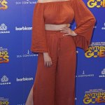 Amy Hart flashes her midriff in a burnt orange co-ord atAnything Goes💥👩💥💥👩💥