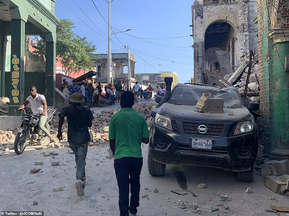 A major earthquake struck western Haiti on Saturday and was felt across the Caribbean where people fled their homes for fear that buildings might collapse
