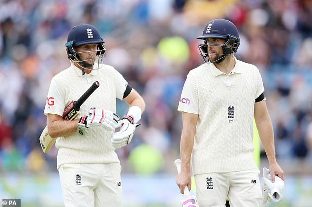 Dawid Malan (right) hailed Joe Root (left) whose ton has put England in control against India