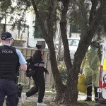 Teenagers transported to hospital from house where young mum died from Covid in Emerton, Sydney 💥👩💥