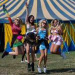 Leeds Festival goers enjoy 77F heat as Brits head to beaches and beauty spots 💥👩💥