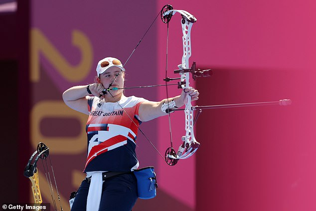 GB celebrated success in archery's Individual Compound thanks to Phoebe Paterson Pine