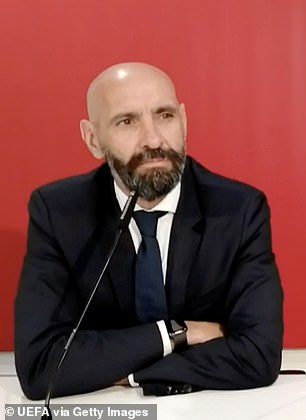 The defender is also angry at director of football Monchi