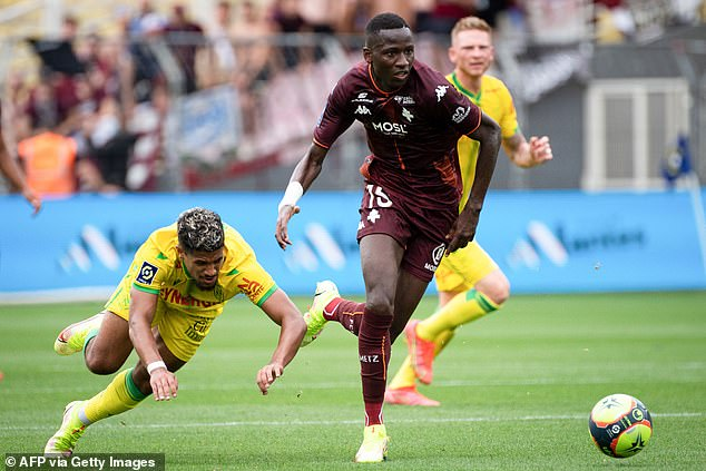 Sarr averaged 1.9 dribbles per 90 minutes last season - equalling Giovani Lo Celso's total