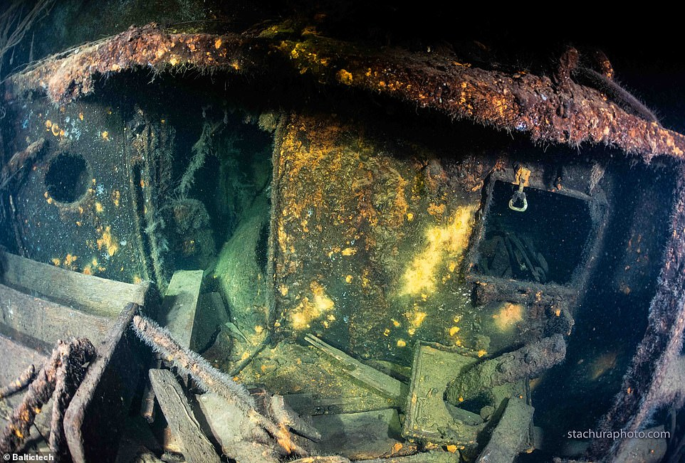 The explorers say that the ship was inKönigsberg around the time the Amber Room was last seen