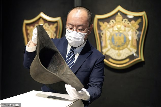 One of Napoleon Bonaparte¿s famous hats is going up for auction ¿ the first ever proven to belong to the emperor