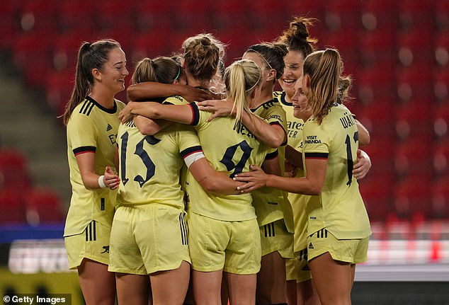 Arsenal through to the Women's Champions League group stages after beating Slavia Prague