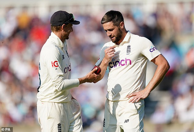 England looked a stronger side in the last game for the return of Chris Woakes (right)