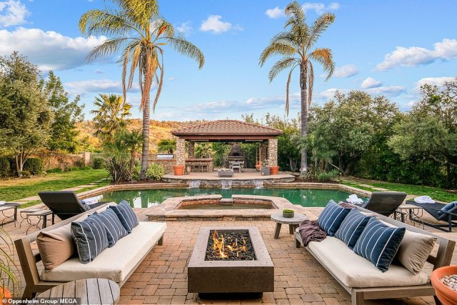 Not alone: The rapper negotiated the sale with the help of the Oppenheim Group, who are well known for being featured on Selling Sunset