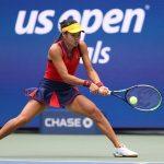 Here we go! Emma Raducanu, 18, begins US Open final in front of 24,000 fans 💥👩💥