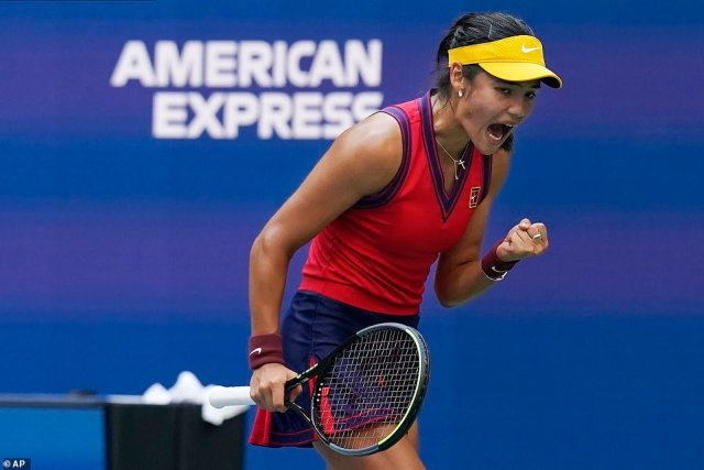 Raducanu yells after a point as she gives herself a morale boost after claiming another point against the Canadian