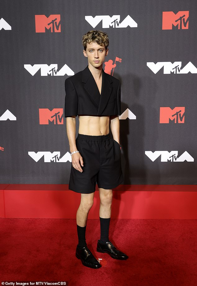 My My My! Troye Sivan showed off his incredible abs in a cropped black jacket as he attended the MTV Video Music Awards in New York City on Sunday