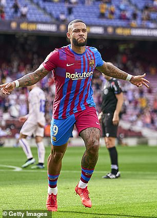 Memphis Depay is currently one of two fit forwards in Barcelona's squad