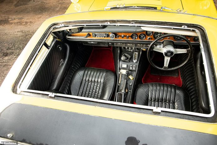 Keeper alone ordered the car to be built with a fully removable 'Targa Top' panel instead of a standard sunroof, although ISO owners advised against the idea, saying it would reduce stiffness.