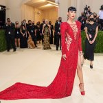 Met Gala 2021: Stars arrive on red carpet for fashion's big night 💥👩💥