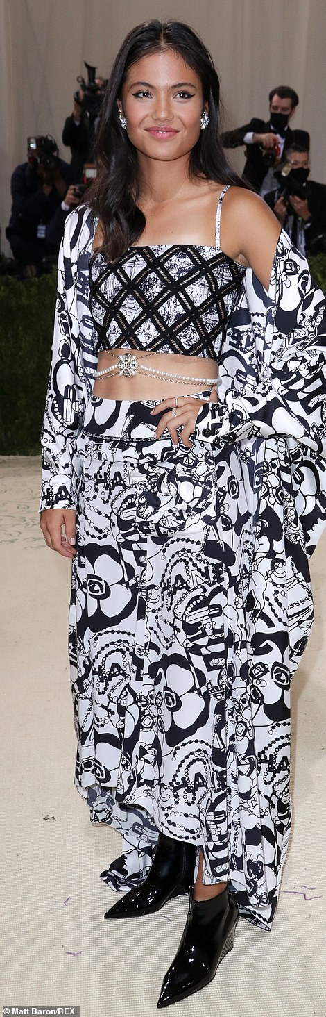 She arrived at the New York party, known as the Oscars of fashion, wearing a gorgeous Chanel handkerchief skirt paired with a stunning cropped camisole and oversized shirt which stole the show