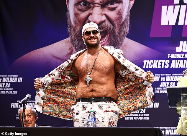 Tyson Fury's promoter Frank Warren has admitted a fight with David Haye would be 'huge'