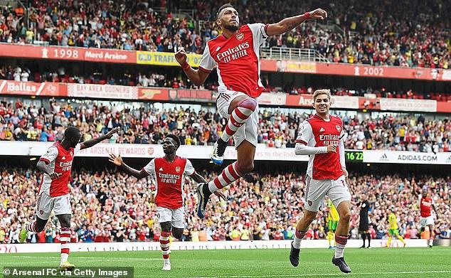 Pierre-Emerick Aubameyang celebrates scoring Arsenal's winning goal against Norwich City