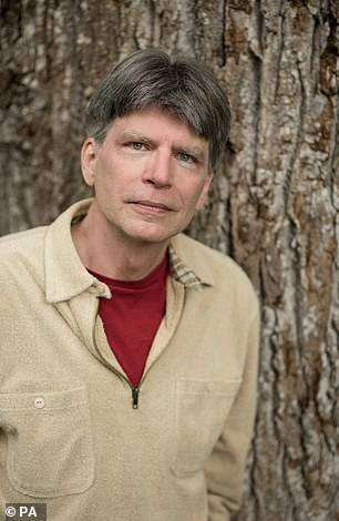 Author Richard Powers (pictured)