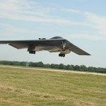 B2 stealth bomber damaged after emergency landing in Missouri base 💥👩💥
