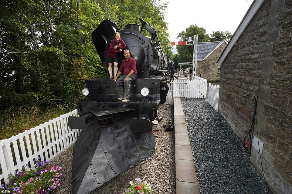 The replica carriages are slightly wider and slightly taller than normal to allow for the movement of camera crews