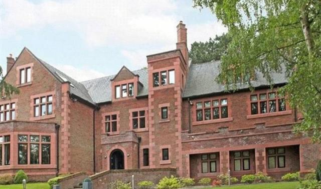 The Manchester United ace has now moved to this £3million home owned by a former Manchester United striker Andy Cole