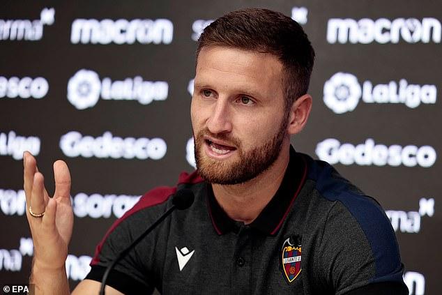 Shkodran Mustafi is looking to make a fresh start at Levante - but not before slamming Schalke