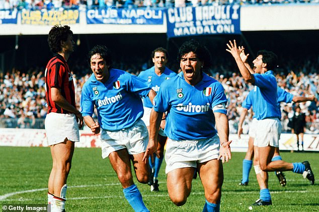 Napoli have not won a Serie A title since Diego Maradona (right() played for the club in 1990