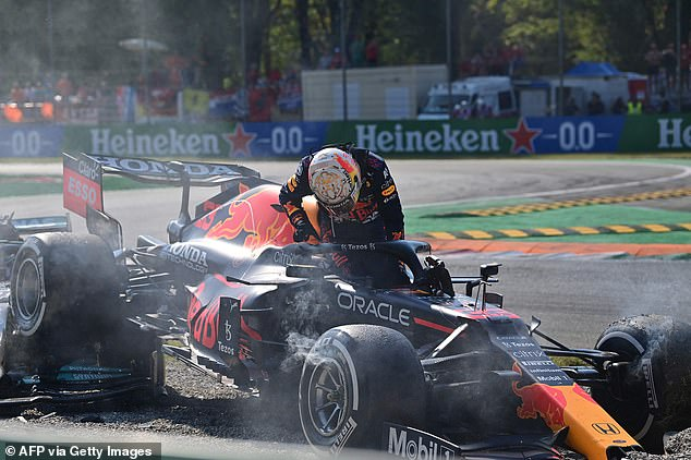 Verstappen criticizes Hamilton for not giving him enough space on Red Bull team radio