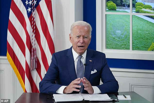 President JoeBiden called in groups of Democratic lawmakers to the White House on Wednesday, holding lengthy but separate meetings with leadership, moderates and progressives