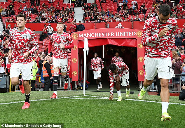 Solskjaer uses secure midfield with Scott McTominay (second left) and Fred (second right)