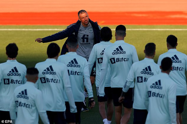 Luis Enrique gives instructions to his side during training for the Italy clash on Monday