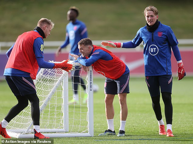 Ramsdale (right) will now be hoping to displace Jordan Pickford (right) as No 1 for England