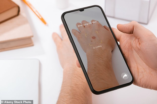 Smartphone apps that test for skin cancer are inaccurate and can lead to avoidable deaths, according to scientists at Queen Mary University of London.