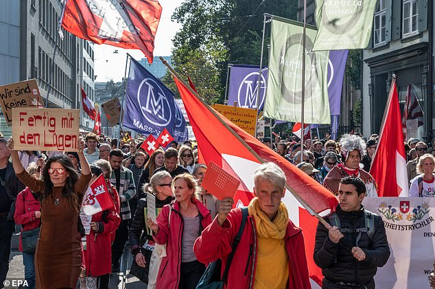 Several hundred people attended the protest called upon by extreme-right party Forza Nuova (FN) and no-vax chat channel Basta Dittatura to scrap the so-called Green Pass