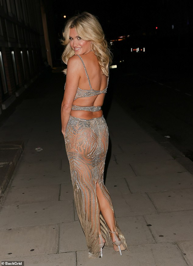 , Ashley Roberts flaunts her assets in a plunging silver gown as she celebrates 40th birthday, The Today News USA