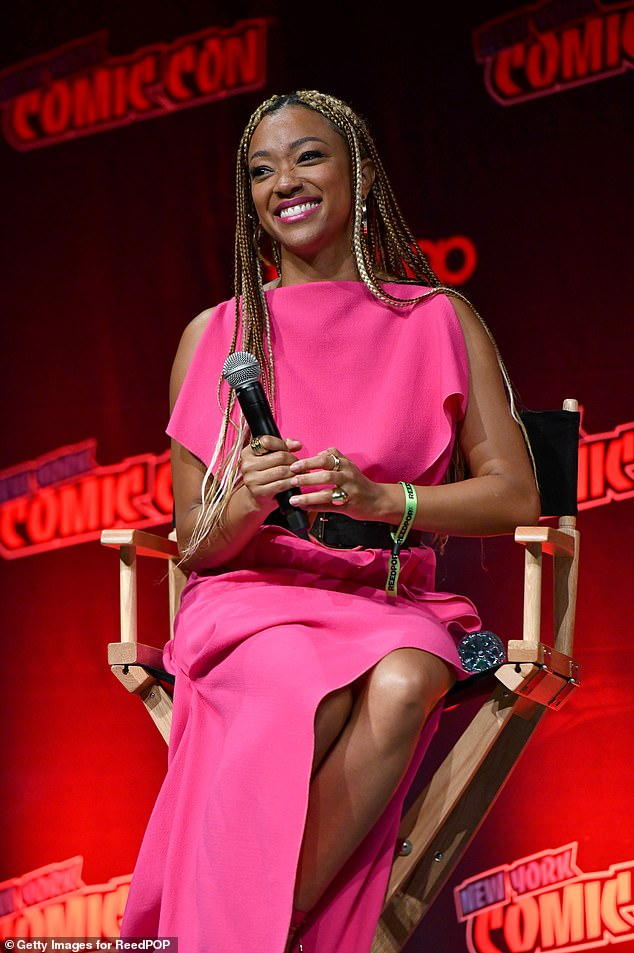 Leader:Sonequa Martin-Green lead her cast onto the stage at the Jacob Javits Center in New York City for the show's annual panel on Saturday