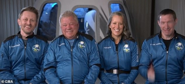 Shatner and the crew — Chris Boshuizen (left), Glenn de Vries (right) and Audrey Powers (second from right) — spoke to Good Morning America (GMA) on Monday about the delay and excitement over being part of history.
