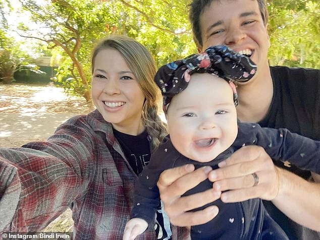 , Bindi Irwin shares adorable photo of daughter Grace Warrior and their pet dog Piggy 'having a chat', The Habari News New York