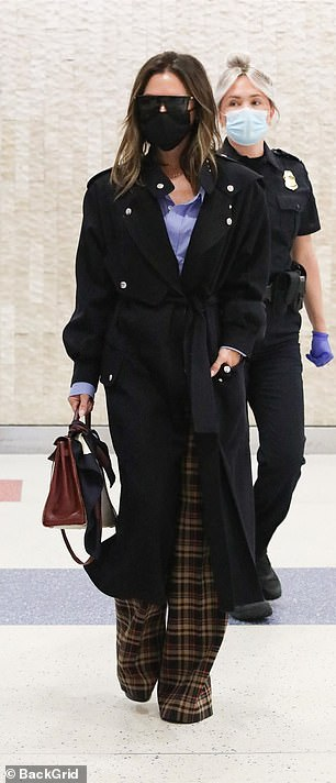 , Victoria Beckham gives the middle finger, The Habari News New York