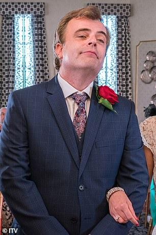 , Steve McDonald Vs Ian Beale! Soap rivals 'sign on for I'm A Celebrity 2021', The Evepost BBC News