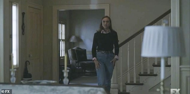 Allison:Linda is back home as she lights a cigarette as her daughter Allison (Emma Mausolf) comes down asking to take the van… but she sees her mom is troubled