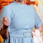 Jamie Lee Curtis dresses as mother Janet Leigh in Psycho at Halloween Kills premiere💥👩💥💥👩💥