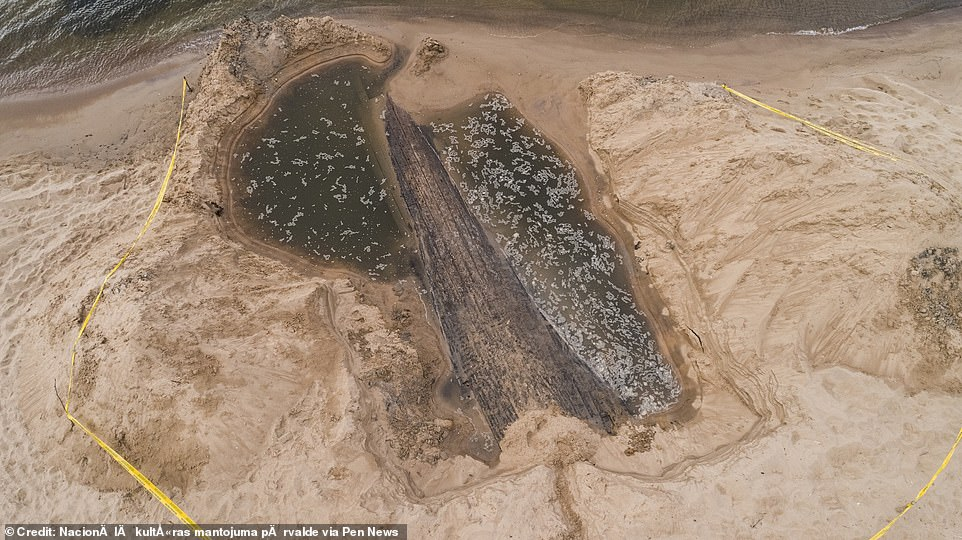 , Mysterious 40ft-long shipwreck that may be a Royal Navy warship is discovered, The Today News USA