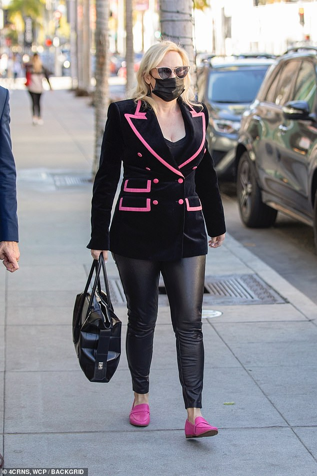 , Rebel Wilson flaunts her trim physique in chic blazer, The Today News USA